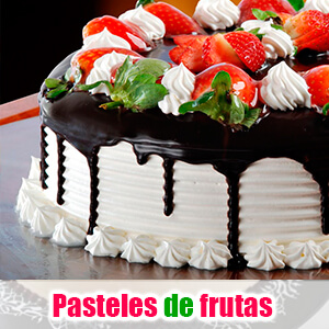 Deliciosos pasteles elaborados con frutas frescas