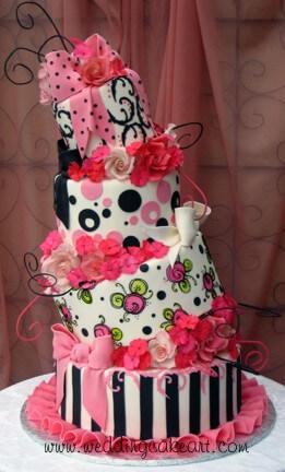 Diseño novedoso de pastel para una quinceañera cool