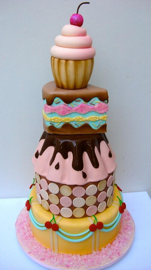 torta de fondant de varios pisos