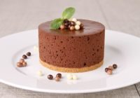 rico Mousse de chocolate con flan y galleta